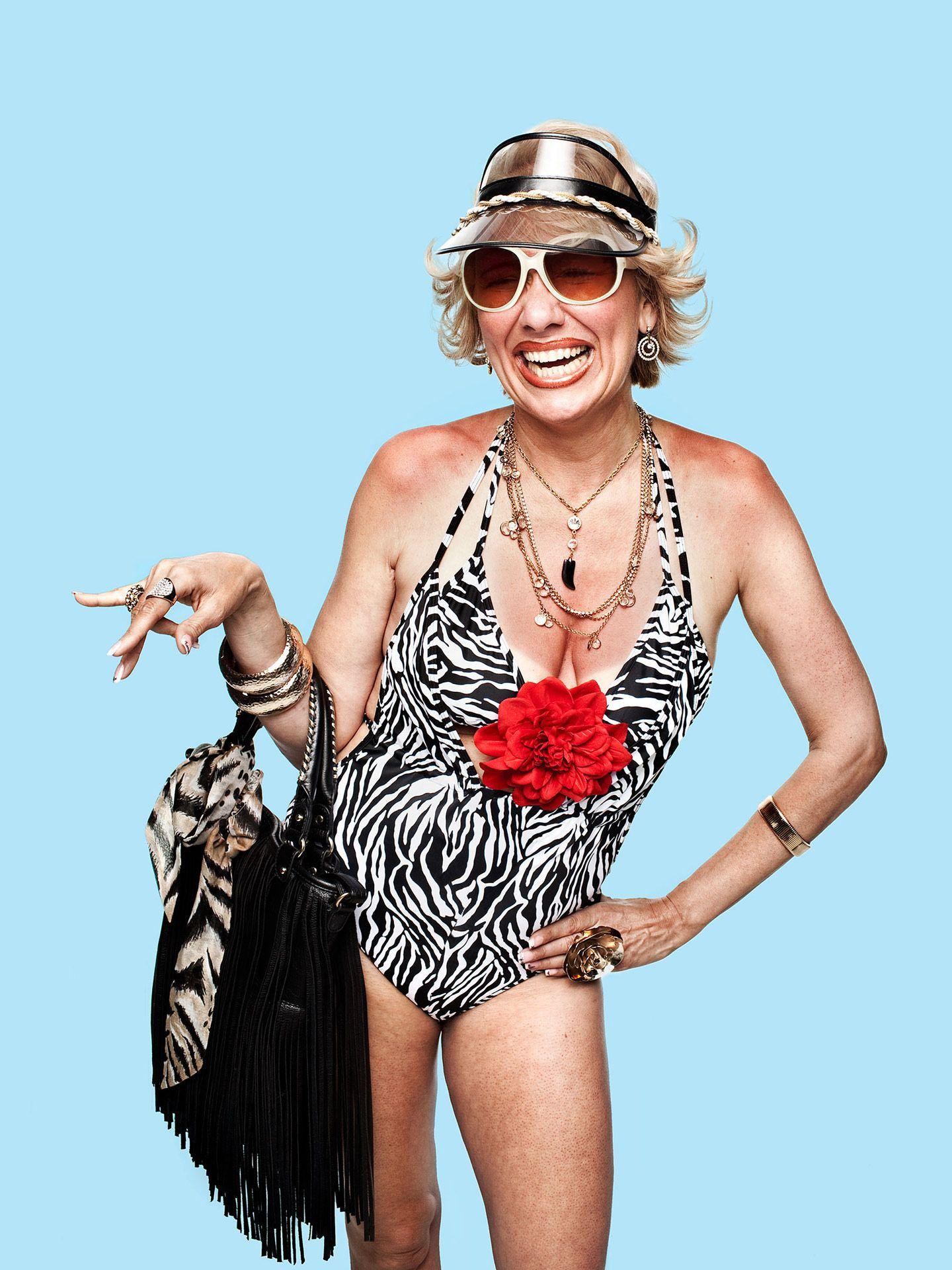old woman in bathing suit for Educalcool campaign by Jocelyn Michel