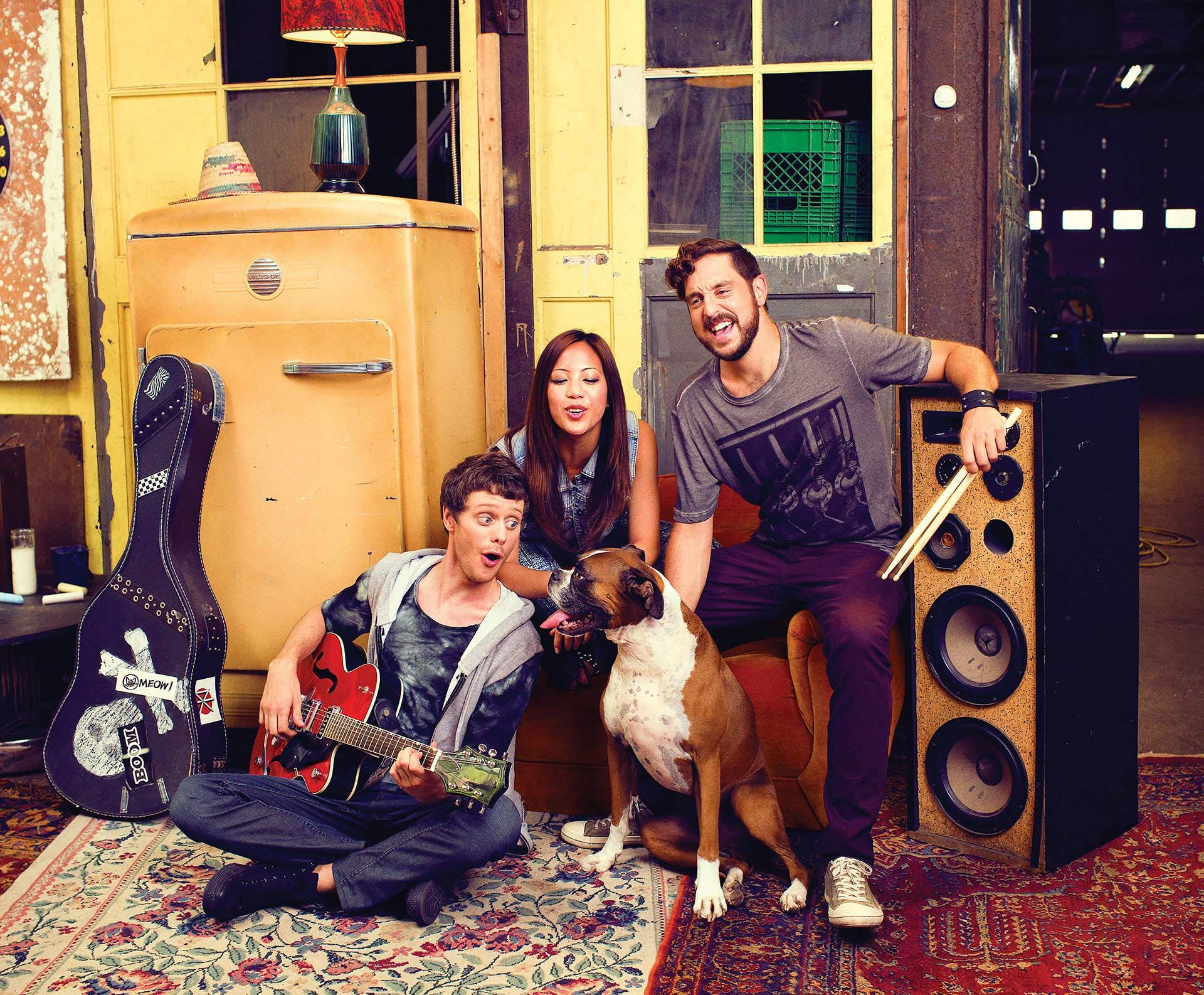group of friends playing music together for Fido campaign by Jocelyn Michel with Dentsubos