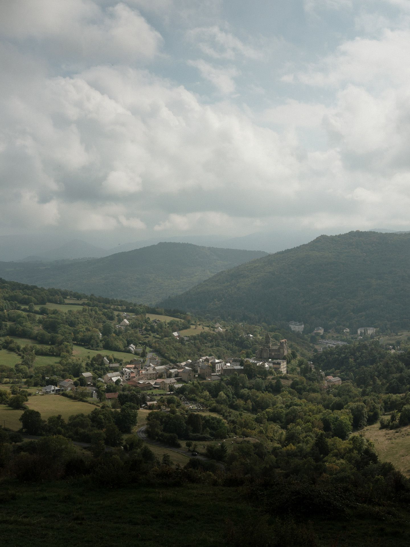 high view of french little town of Auvergne by Alexi Hobbs in Auvergne for Reflets de France