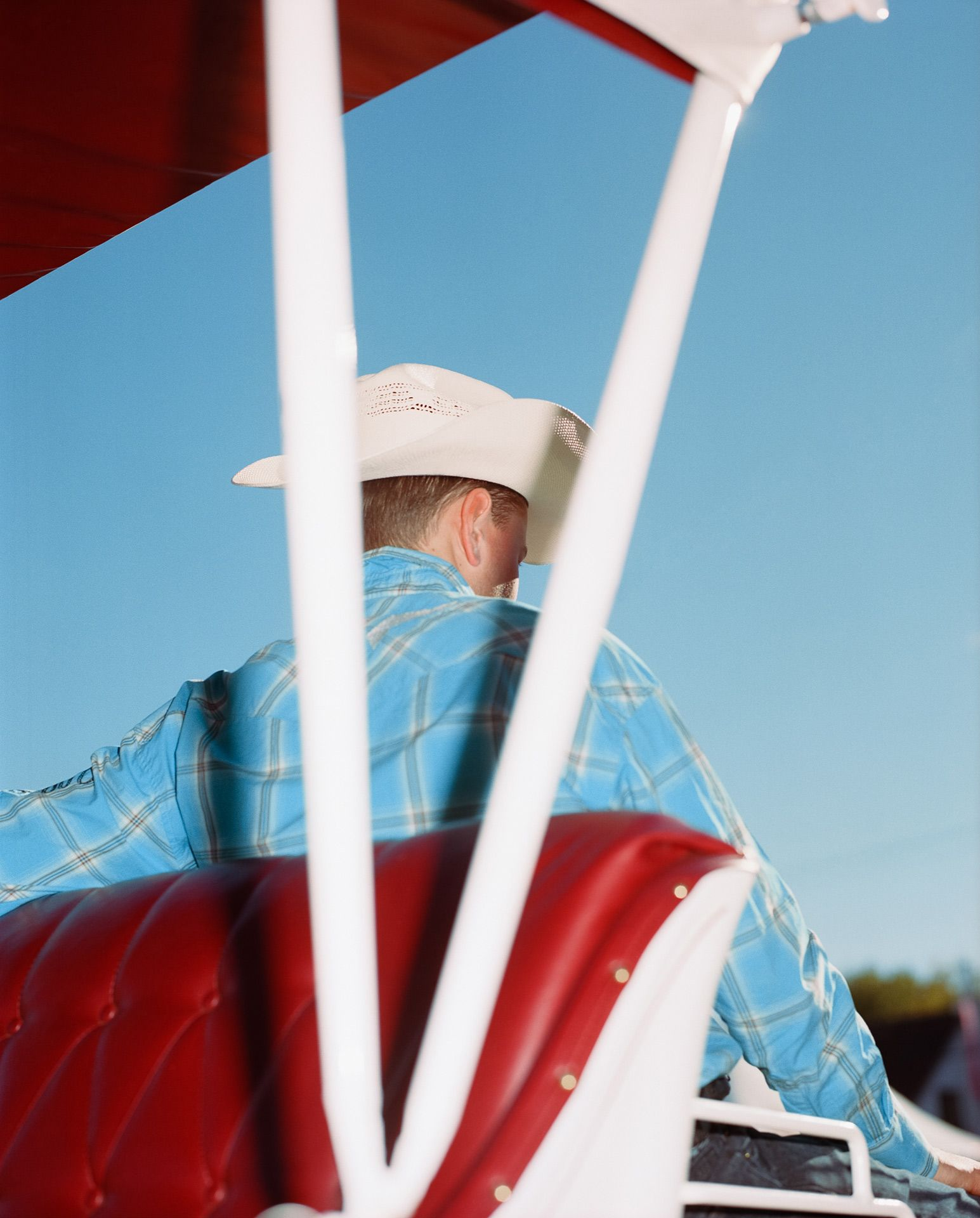 cowboy in charriot by Alexi Hobbs for Larose PAris in St-Tite