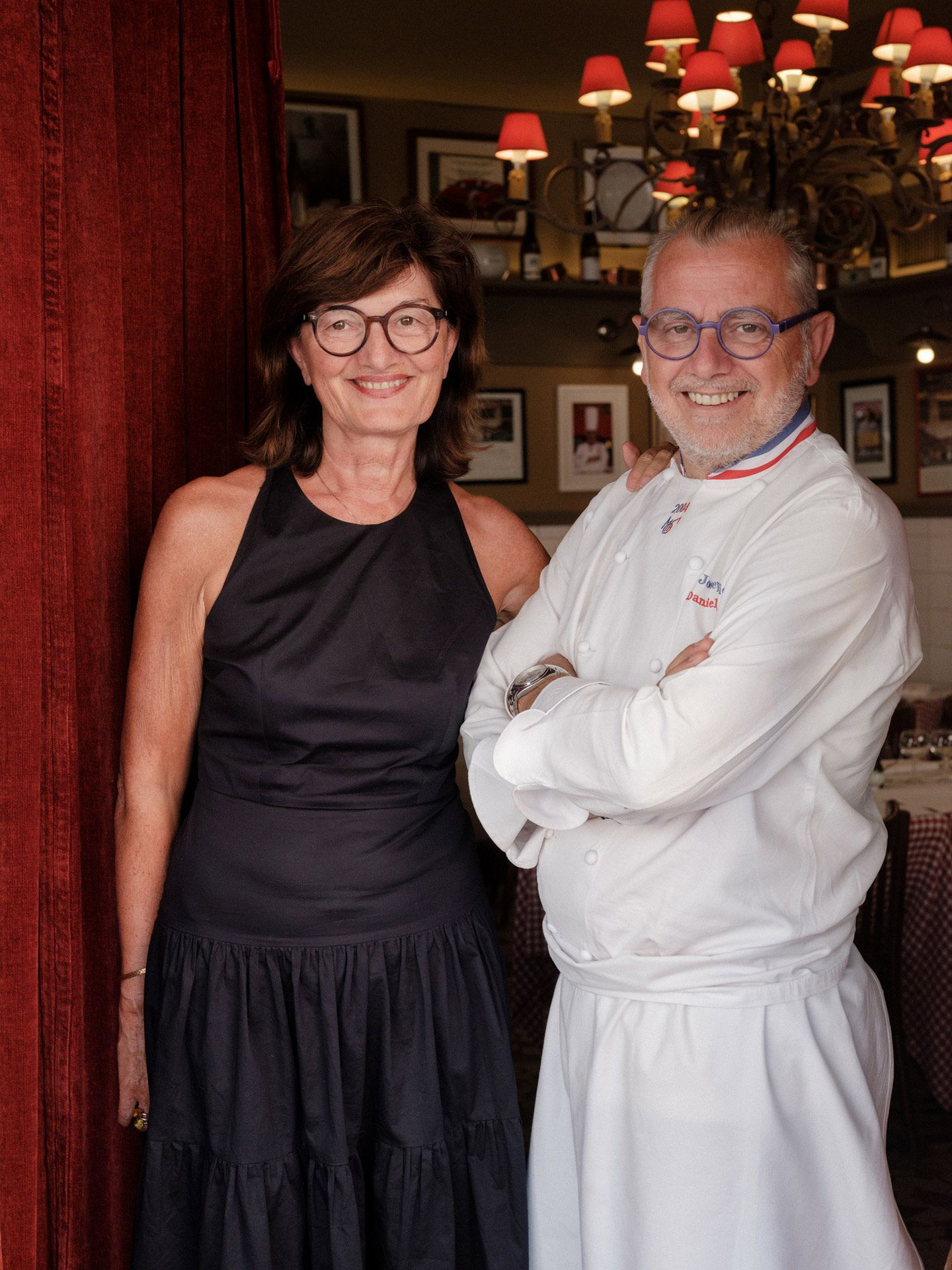 couple of owner of restaurant Daniel and Denise by Alexi Hobbs in Auvergne for Reflets de France