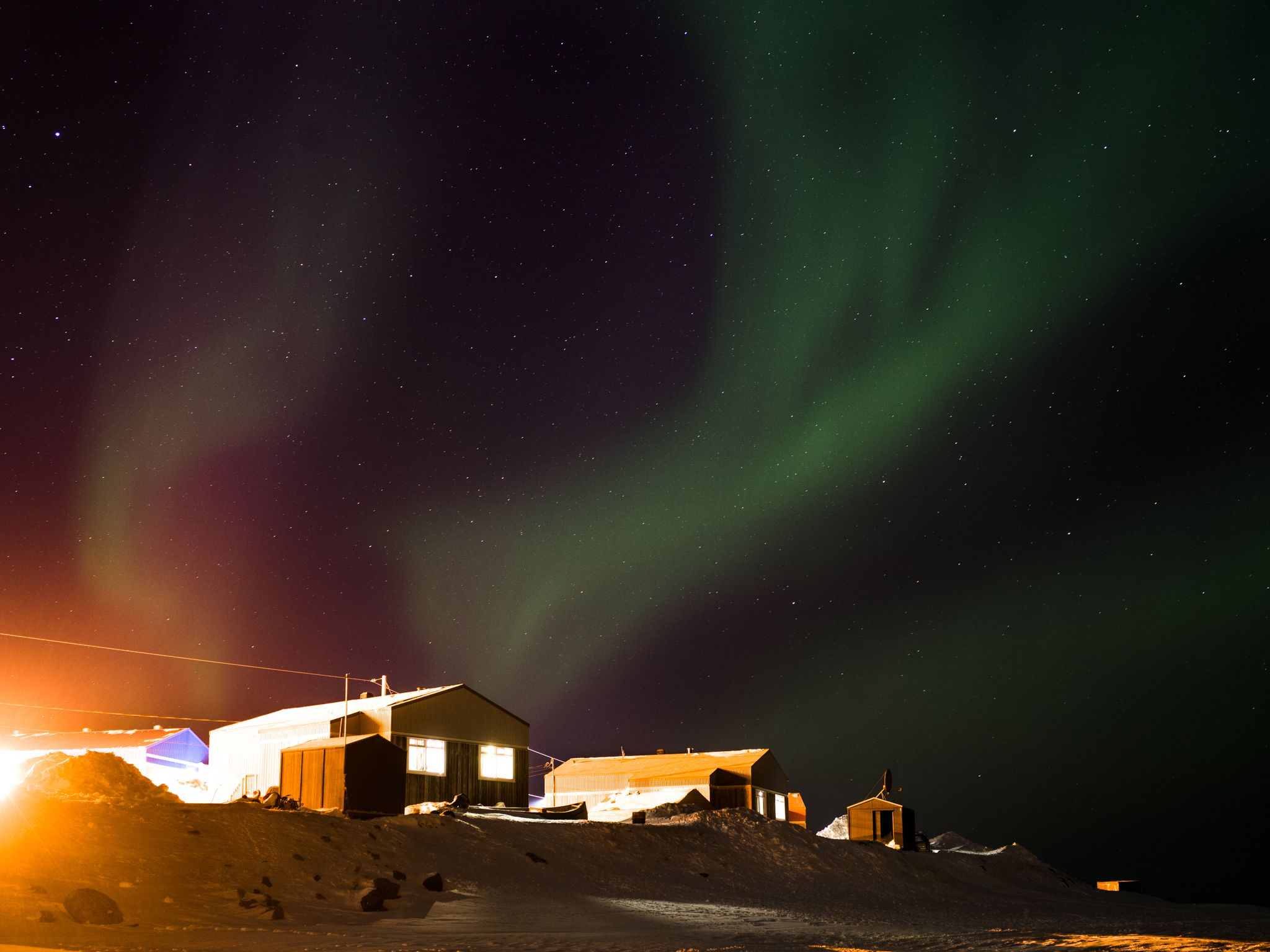 aurora borealis in Nunavik by Alexi Hobbs for Air Inuit