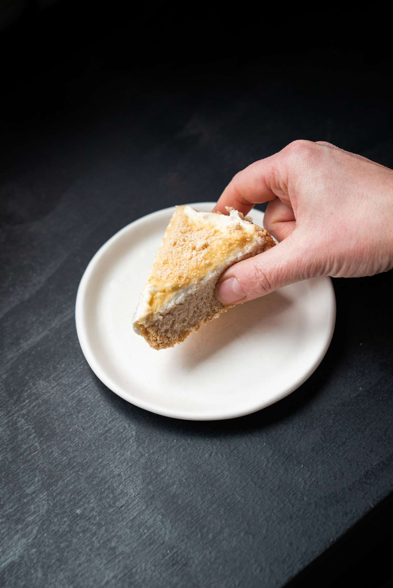picture of chef Stephanie Labelle from pastry shop Rhubarbe childhood dish cake by Bruno Florin
