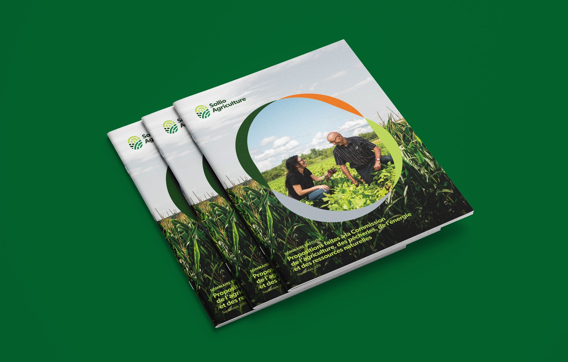 layout mockup of cover of annual report of Sollio Agriculture