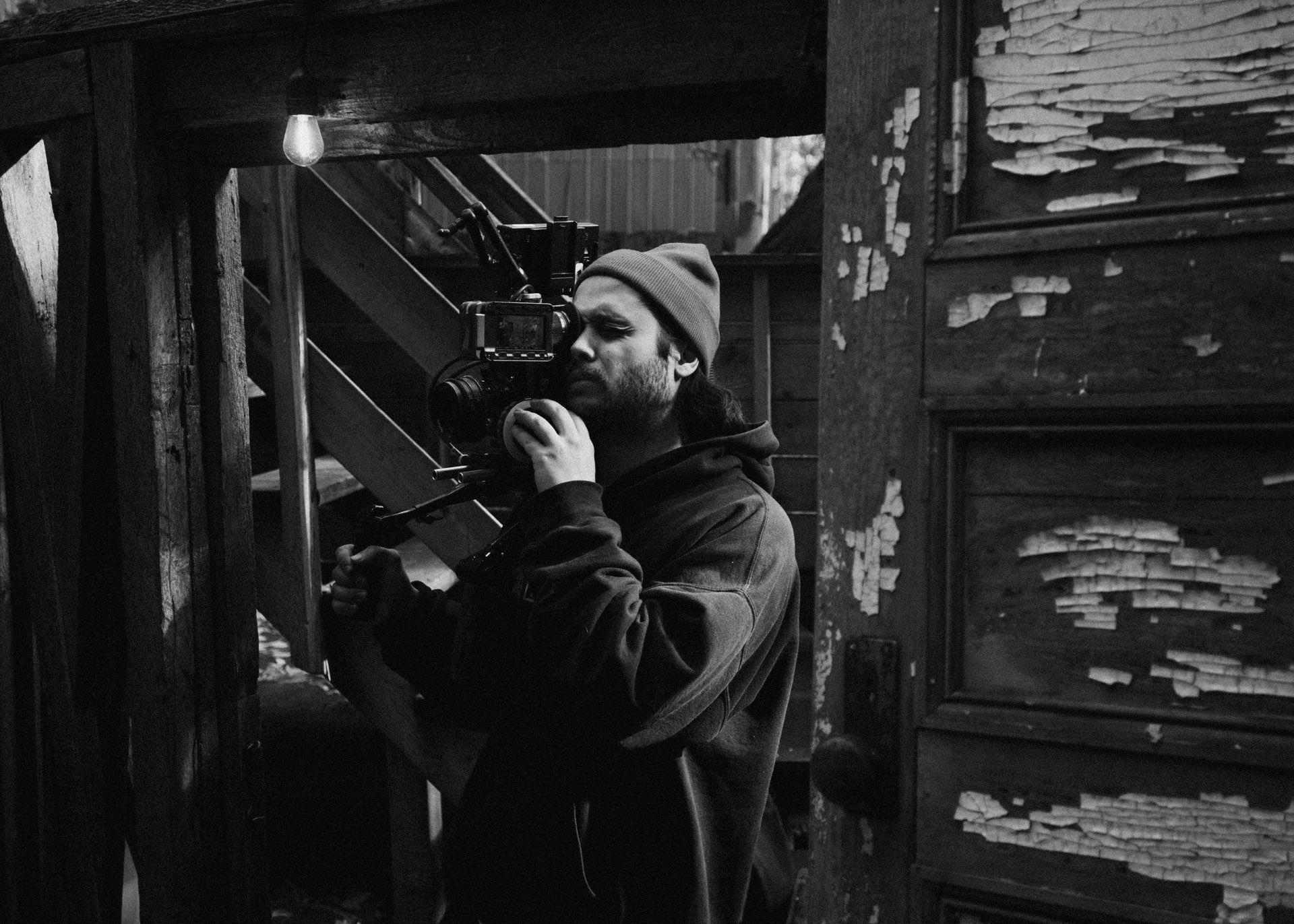 camera assistant filming in behind the scenes of TV series La Loi C'est La Loi filmed by Les Gamins for TV5 Unis