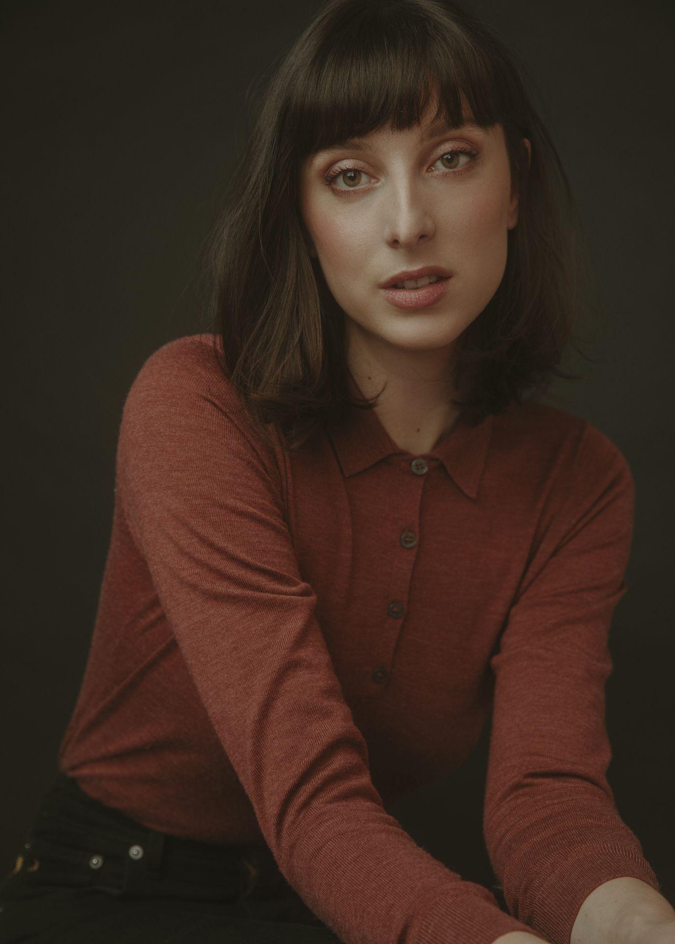 Sarah-Maude Beauchesne author of novel Les Fourchettes photographed by Kelly Jacob