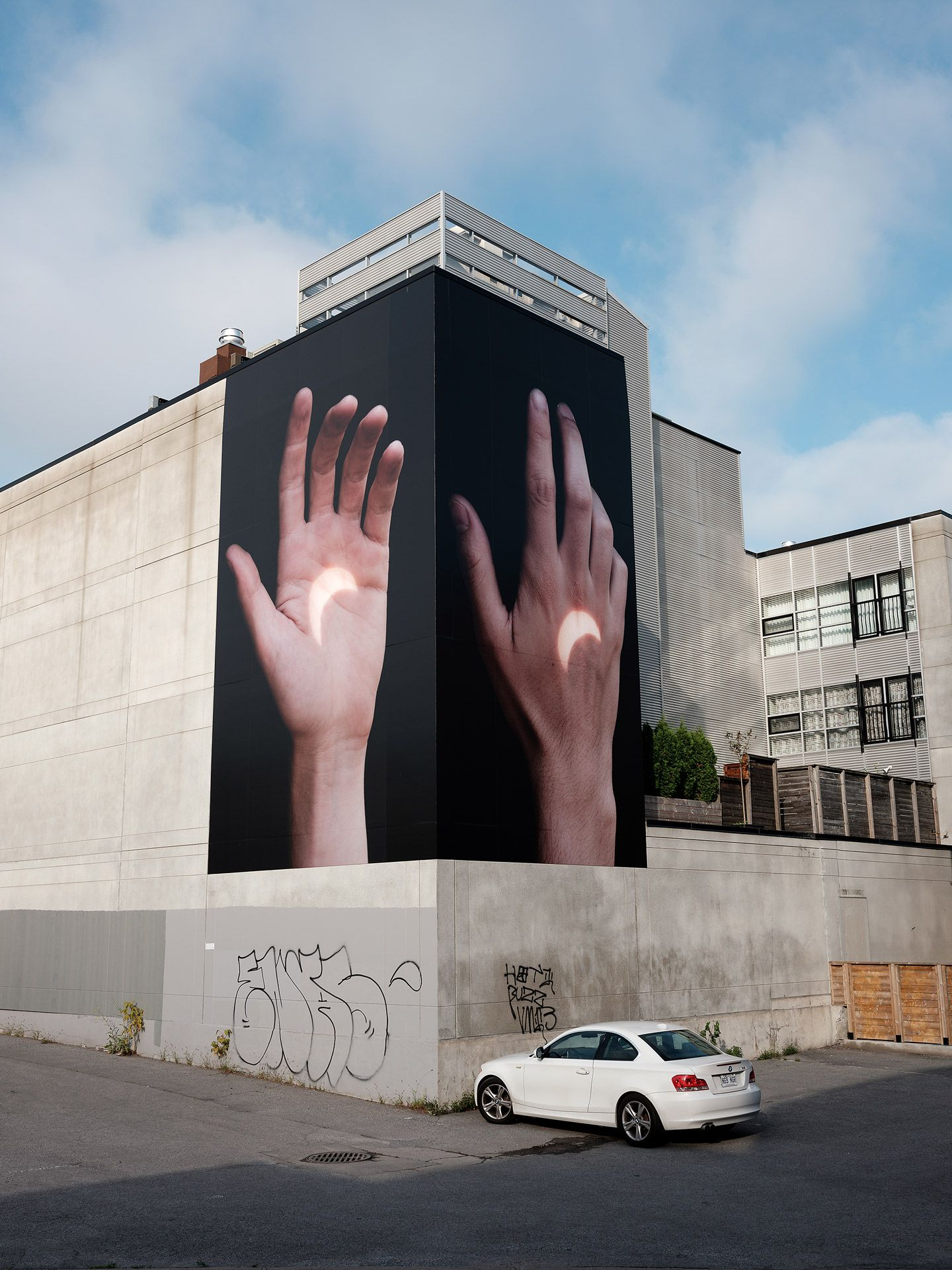 installation of pictures by Guillaume Simoneau